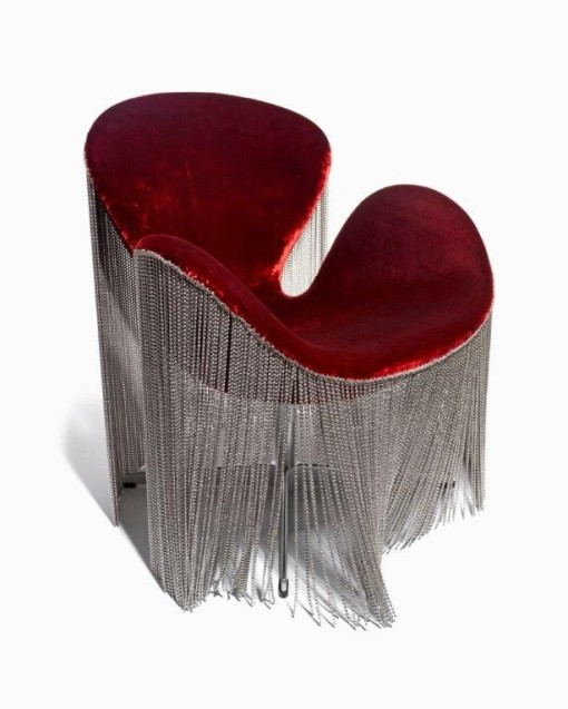 Kelly-Hoppens-metal-fringe-chair-510x637