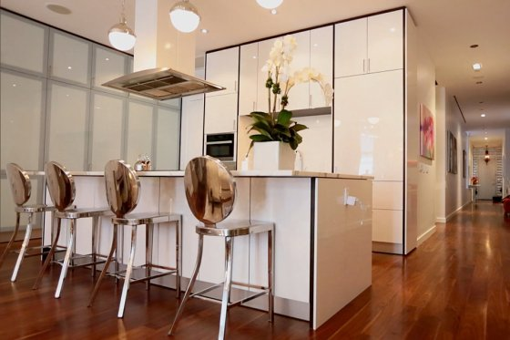real-housewives-of-new-york-season-7-bethenny-apartment-02